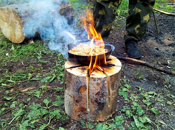 Единственный недостаток финской свечи - слабая способность её обогревать людей.
