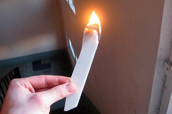 Сумев поджечь такой же кусок на природе, его можно будет использовать для поджигания хвороста.