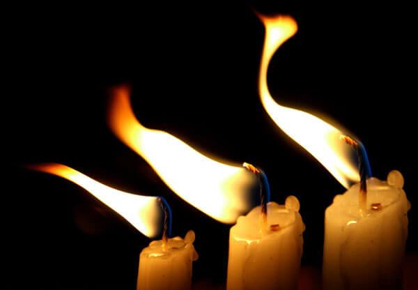 При этом некоторые задачи костра может выполнить даже свеча.