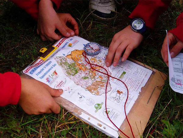 Определить азимут по компасу - одна из самых простых задач в ориентировании.
