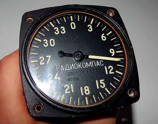 Такой прибор может использоваться, скорее, в дополнение к обычному магнитному компасу.