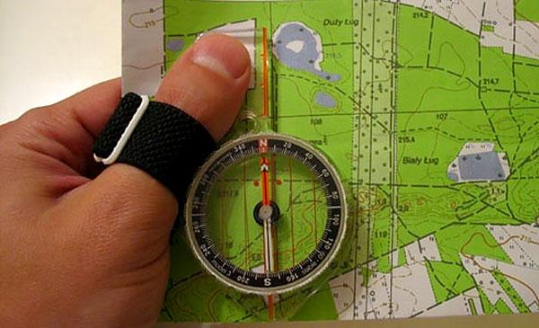 При использовании такого компаса для точных измерений дополнительно нужна линейка.
