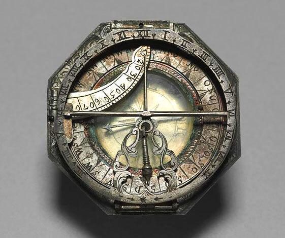 Благодаря простоте конструкции даже в древних компасах практически нечему ломаться, и потому использовать их можно и сегодня.