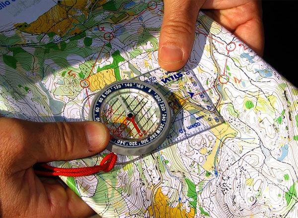 Даже определенные ошибки в работе компаса можно учитывать, если понимать их природу.